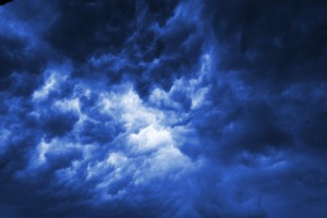 sturm krise wolken