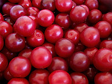 220px-Cherry_plums