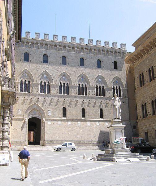 504px-Palazzo_Salimbeni,_Siena