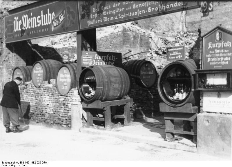 Weinstube im Nachkriegs-Berlin