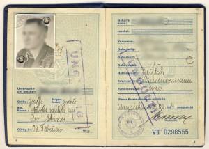 Personalsausweis_für_Deutsche_Staatsangehörige,_Deutsche_Demokratische_Republik,_1954_-_Vers._01-03